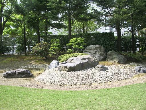 201005庭.JPG