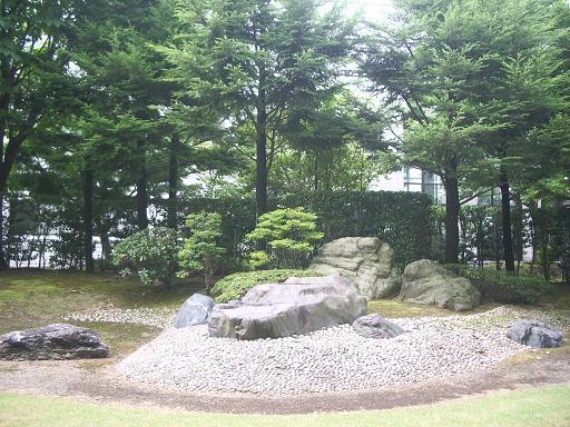 201008庭.JPG